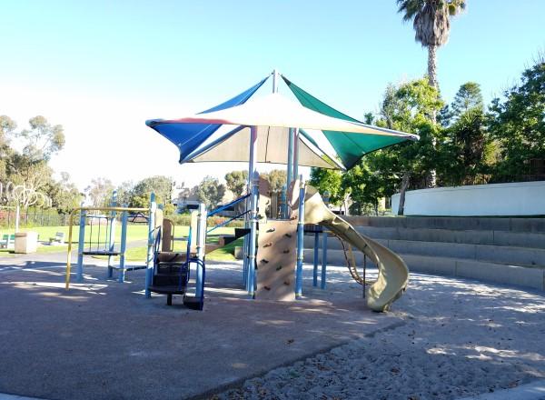 Lang Park Laguna Beach California LagunaBeachCommunity.com